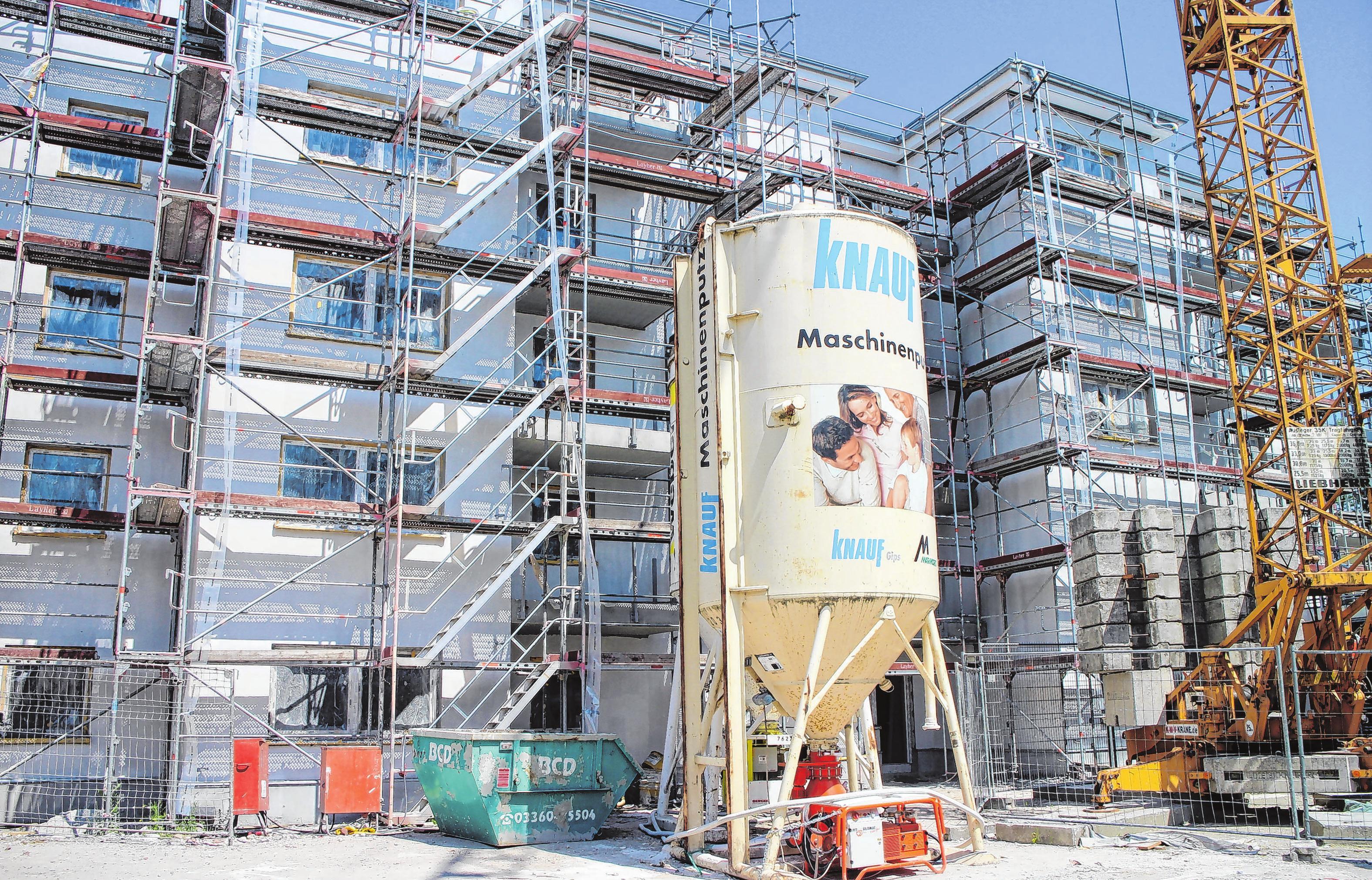 Die Arbeiten auf der Baustelle schreiten zügig voran. Ende des Jahres können bereits die ersten Mieter in den barrierearmen Neubau einziehen.