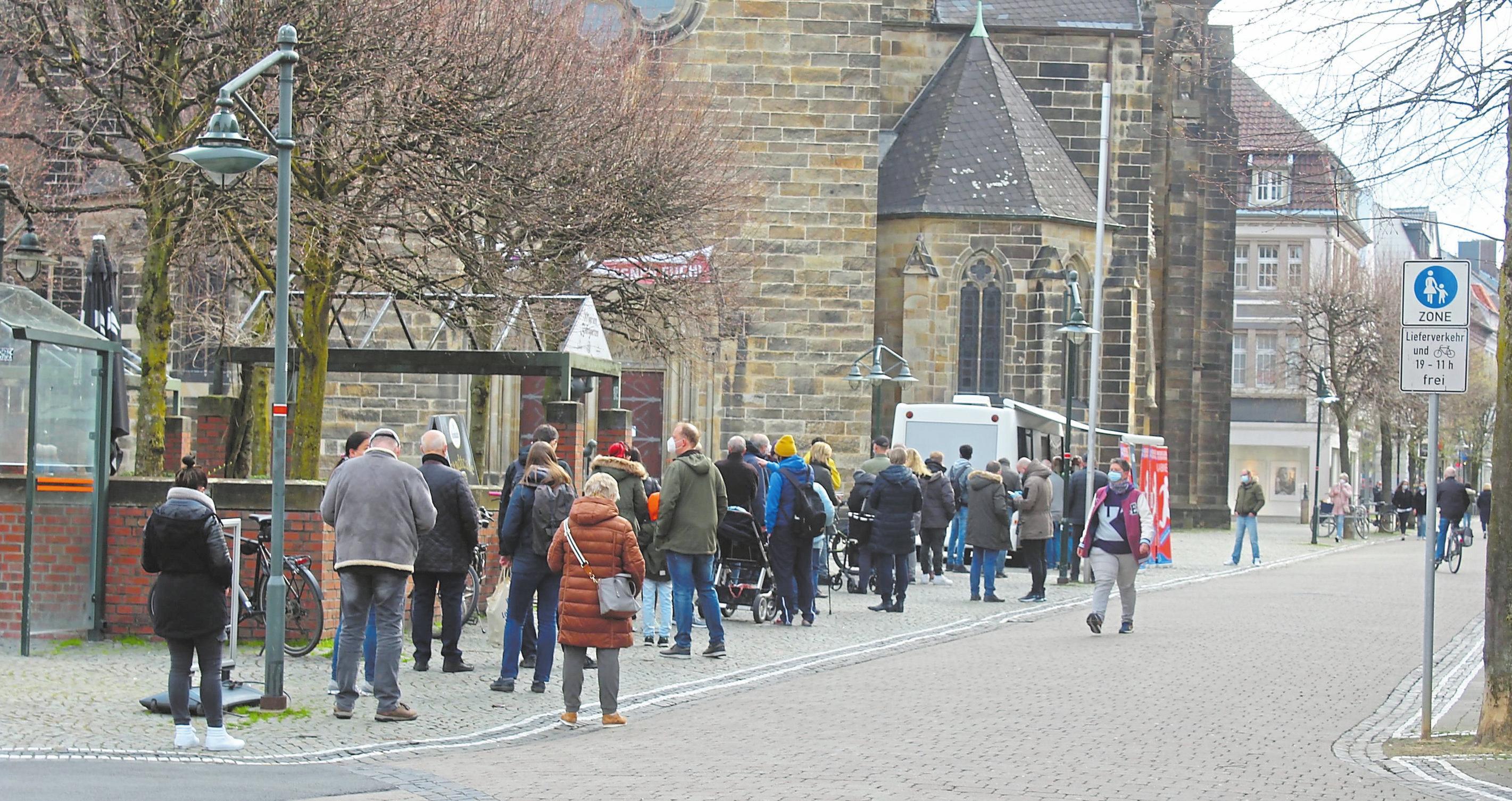 Am Samstag stand die mobile Teststation auf dem Marienplatz, was den Kunden viel Aufwand ersparte.