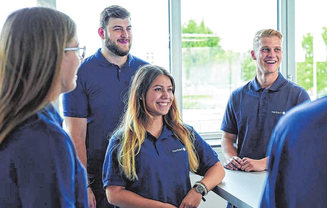 Viele der Mitarbeiter starten ihre Karriere mit einer Ausbildung bei der Herbert Gruppe.
