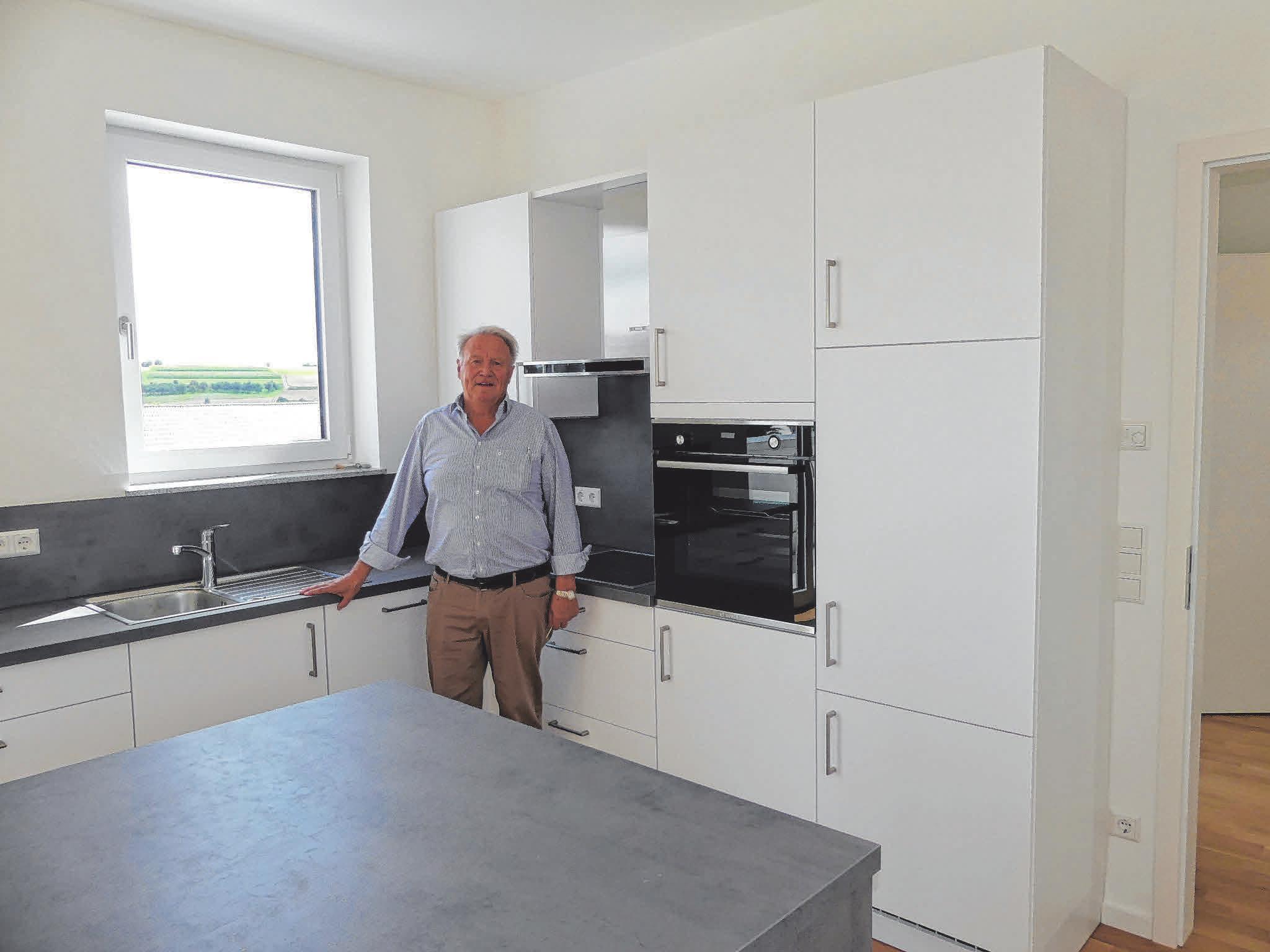 """""""In jeder Wohnung der Donau Residenz ist eine Einbauküche eingebaut"""", sagt Franz Borst."""