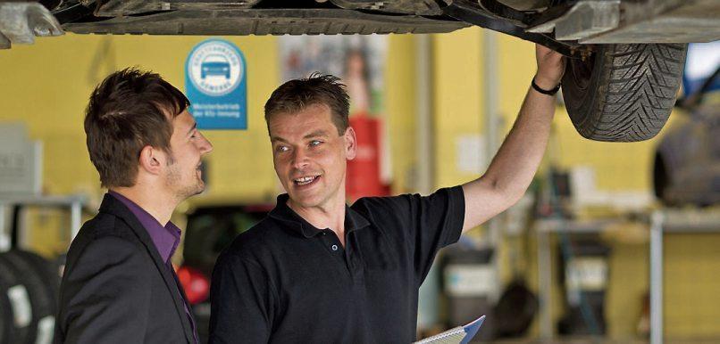 Mit dem Frühjahrs-Check macht die Werkstatt das Auto fit für die warmen Jahreszeiten. Bild: ProMotor.