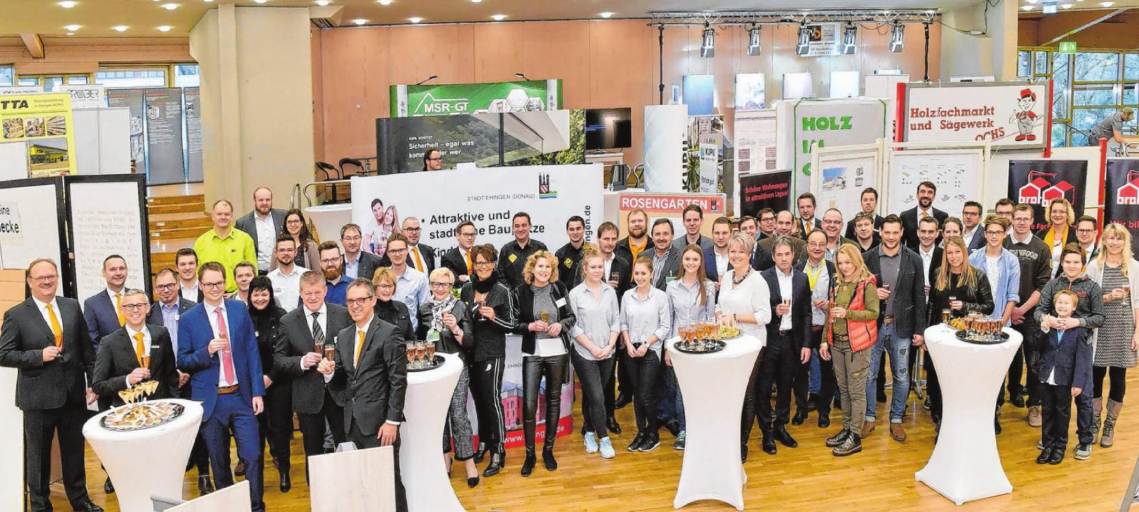 Das ImmobilienForum der Donau-Iller Bank mit ihren Partnern bietet hautnah und kompetent Informationen rund ums Bauen, Modernisieren, Sanieren, Energiesparen und Finanzieren.Fotos: Jürgen Emmenlauer
