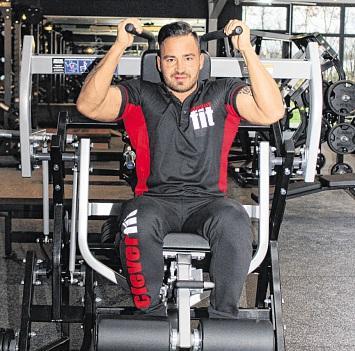 Mit dem sogenannten Drei-Seiten-Trainer wird die gesamte Bauchmuskulatur trainiert.