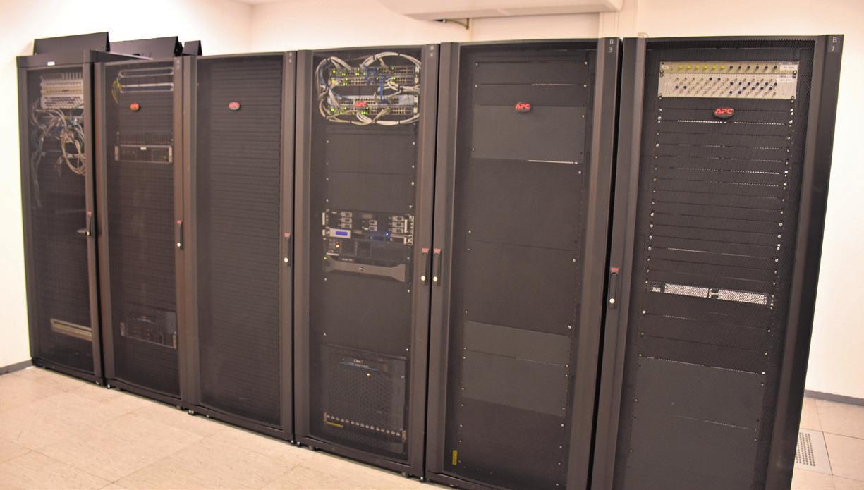 In den zwei Serverräumen, die mit einer Anlage zur Vermeidung von Bränden ausgestattet sind, können 24 Serverschränke aufgestellt werden. Foto: Klöker