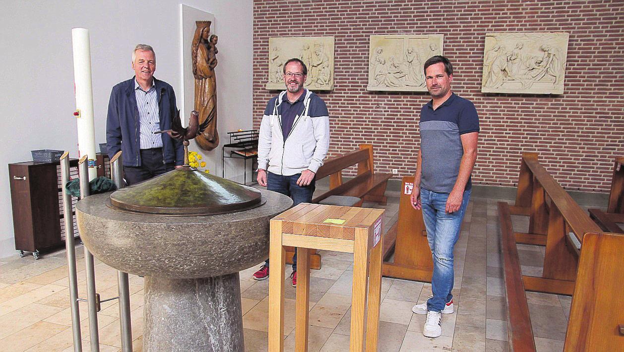 Daniel Schoppen (Zentralrendantur Ahaus-Vreden), Felix Büter (Mitglied des Bauausschusses) und Marc Klein-Günnewick, Verwaltungsreferent der Kirchengemeinde, zeigen sich begeistert über den gelungenen Umbau. FOTOS (4) MEISEL-KEMPER