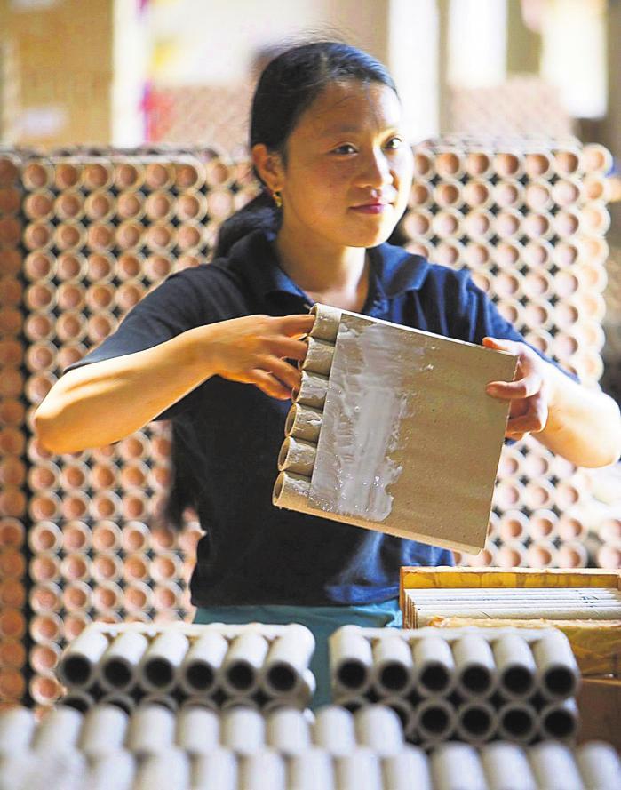 Nach wie vor stammt die Hälfte des weltweit hergestellten Feuerwerks aus der chinesischen Stadt Liuyang. EOTO: FPA ADRIAN BRADSHAW / PICTURE-ALLIANCE