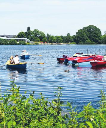 Ruder- oder Tretboote gibt es bei der Bootsvermietung Barmstedt am Rantzauer See