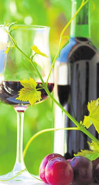 Für Weinfreunde besonders bitter: Auch das Darmstädter Weinfest musste corona-bedingt abgesagt werden. Es gibt aber eine Alternative. Archivfoto: Darmstadt Marketing