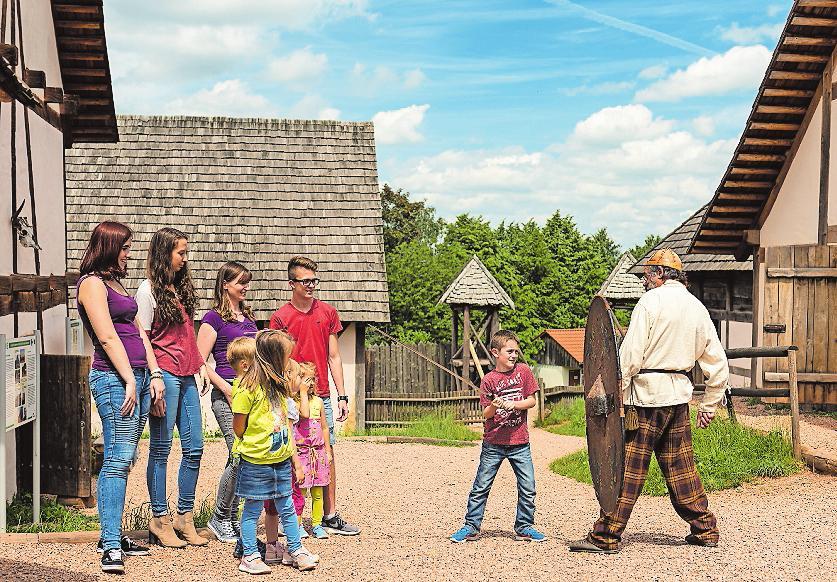 Ein Ziel für Alt und Jung: das kleine Dorf.Foto: Donnersberg-Touristik/frei