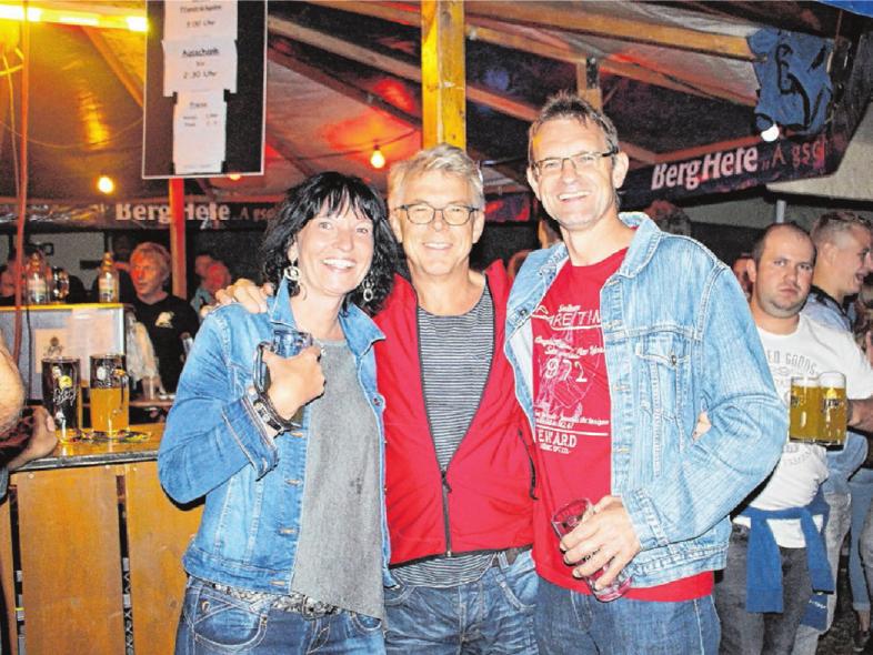 Chillout: Das Lindenplatzfest in Bremelau lockt alljährlich zahlreiche Besucher aller Altersgruppen. Foto: Archiv/rh