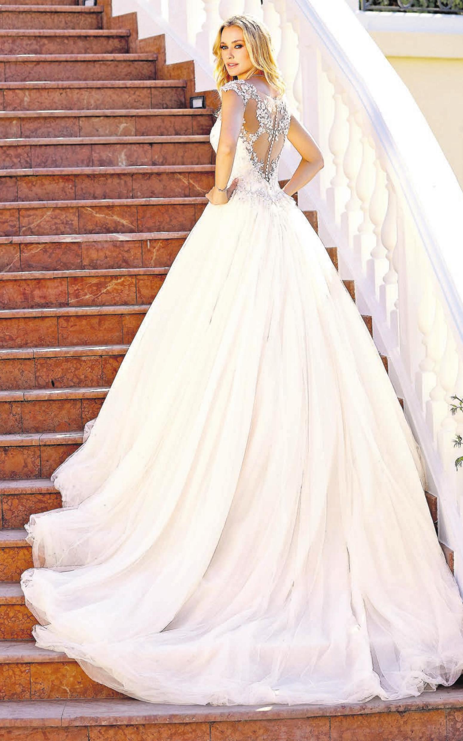 Einmal wie eine Prinzessin aussehen, das ist mit einer A-Line möglich, wie dieses opulente Kleid zeigt.       Foto: Ladybird