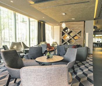 Einladend – die frisch renovierte Lobby Lounge Foto: Panorama