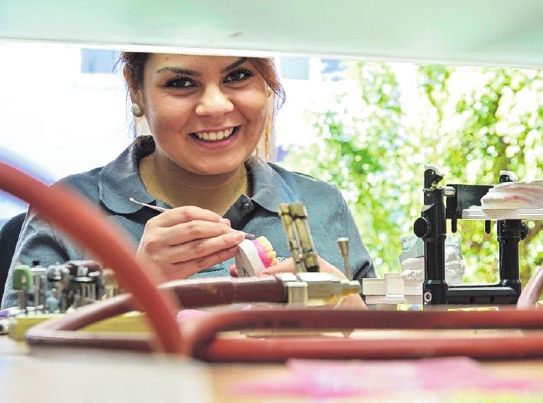 Kreativ und technisch? Das Handwerk bietet eine Vielfalt an Berufen für verschiedene Vorlieben und Fähigkeiten. FOTO: AMH-ONLINE.DE