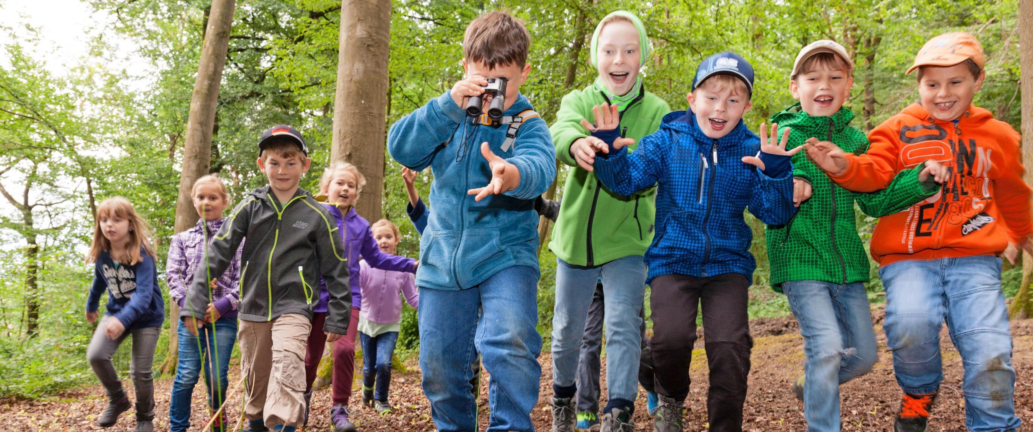 Im Naturpark gibt's immer was zu entdecken. Viele Veranstaltungen werden speziell für Kinder angeboten.Foto: djd/Thomas Rathay