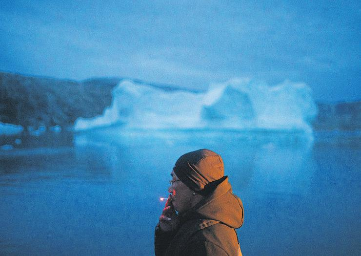 Grönland, Kulusuk: Die Eismassen schmelzen nicht nur hier. Alle können im Alltag einiges   tun, um die Umwelt zu schützen. Foto: Felipe Dana/AP/dpa