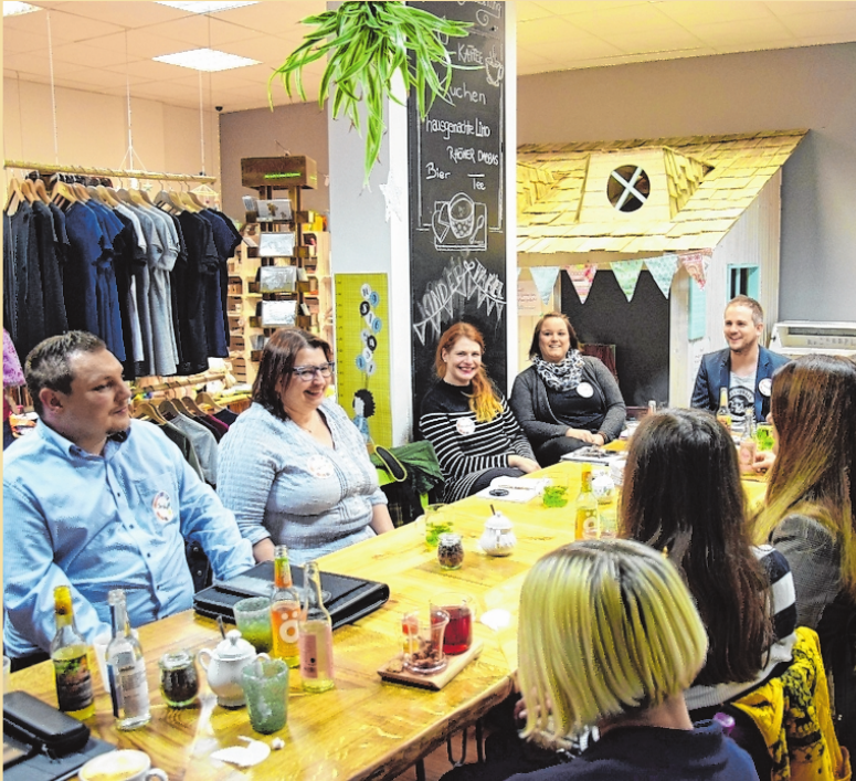 Beim Gründer-Networking der Wirtschaftsjunioren Bad Kissingen tauschten sich Unternehmensgründer und Gründungsinteressierte in entspannter Runde aus. FOTO: LYDIA MOLEA