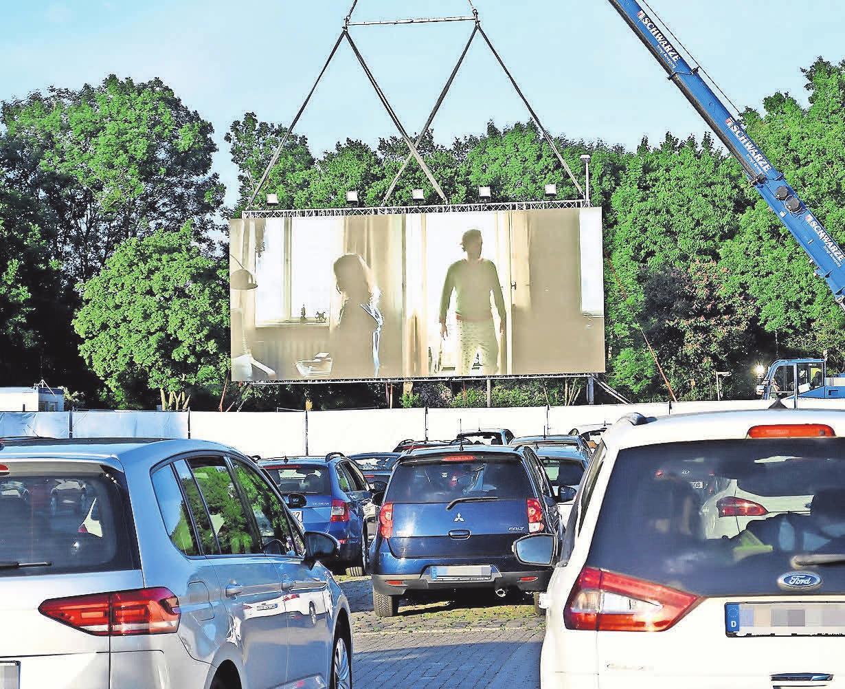 Das Autokino im Juni war die erste öffentliche Veranstaltung in Burgdorf seit Beginn der Corona-Krise. Foto: Mark Bode